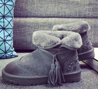 韩版保暖厚底雪地靴流苏铆钉短筒擦色平底短靴真皮棉鞋冬季女靴子